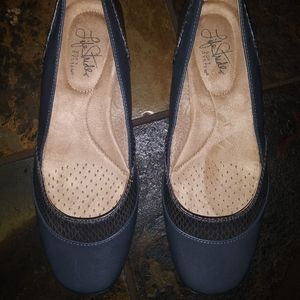 Ladys Life Stride Flats/Dress shoes